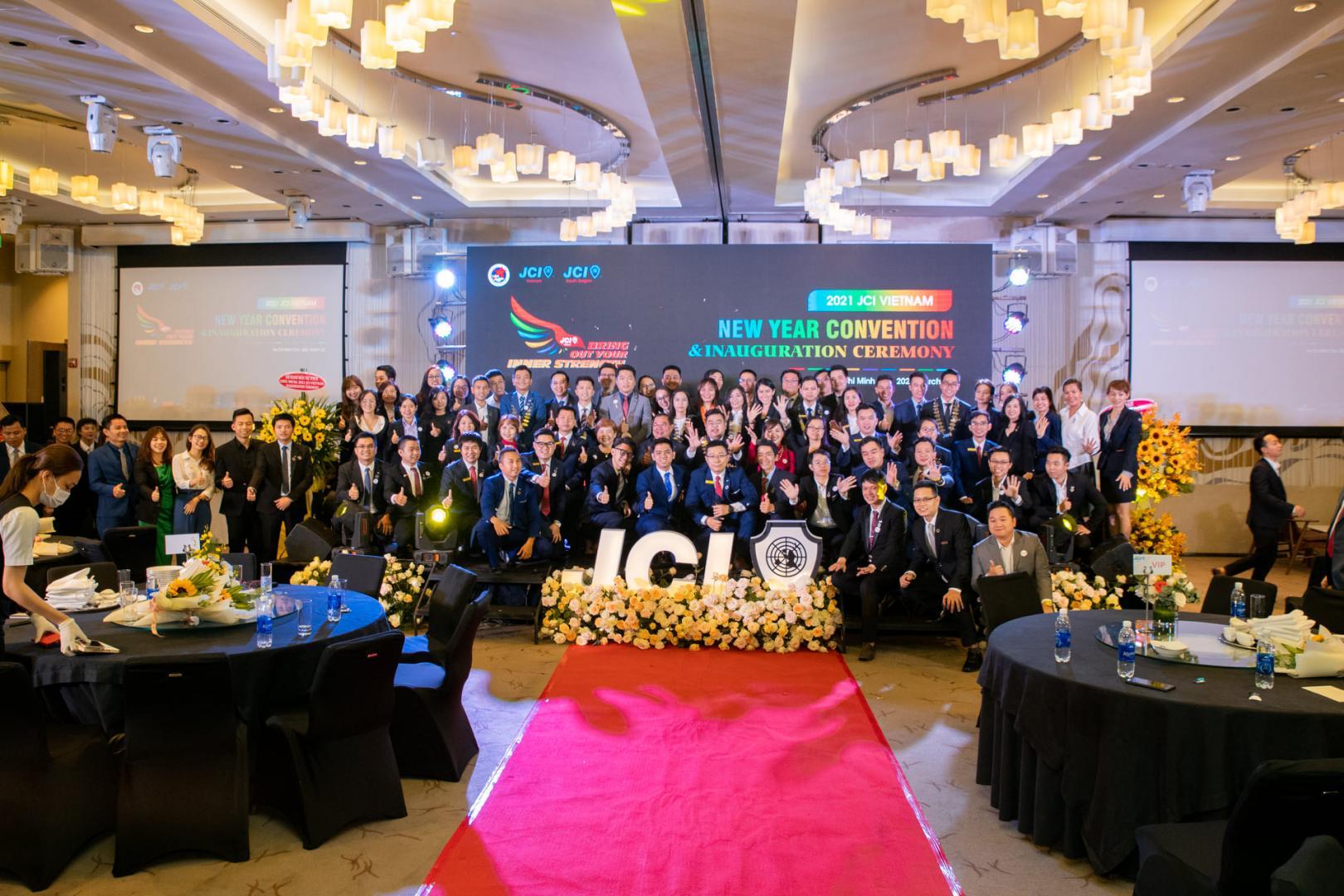 Ảnh: Không khí tại buổi lễ ra mắt ban điều hành JCI Vietnam 2021